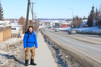 Strolling down to Great Slave Lake for the Long John Jamoboree