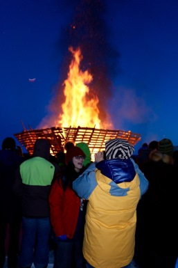 The Long John Jamboree's Burn on the Bay is gigantic bonfire! The YK Burners build a huge cone out of wood pallets on the ice of Yellowknife bay and light up the whole structure making an oversized (and loud!) crackling bonfire! I guess that's one way to stay warm on a cold March evening...
